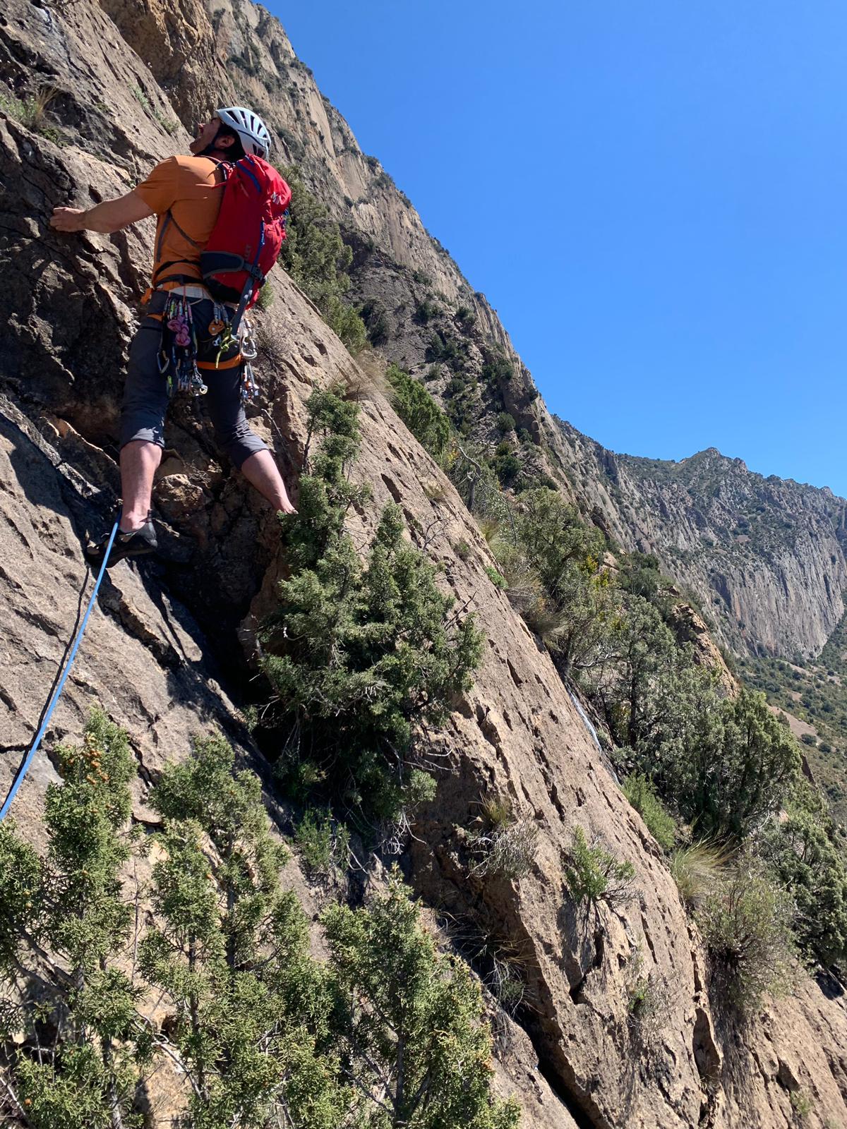 ETEVA formación deportiva en escalada